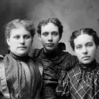 Mirium Bennett(married Wilson), Nettie(married Harrison) Bennett and Belvia Bennett