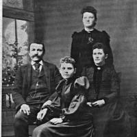 Nettie (Miller) Bauermeister  with William, Dora and Minnie - circa  unknown