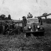 Threshing on William Bongard's  farm - 1947.