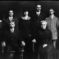 John and Mary Sinnen's family - circa unknown